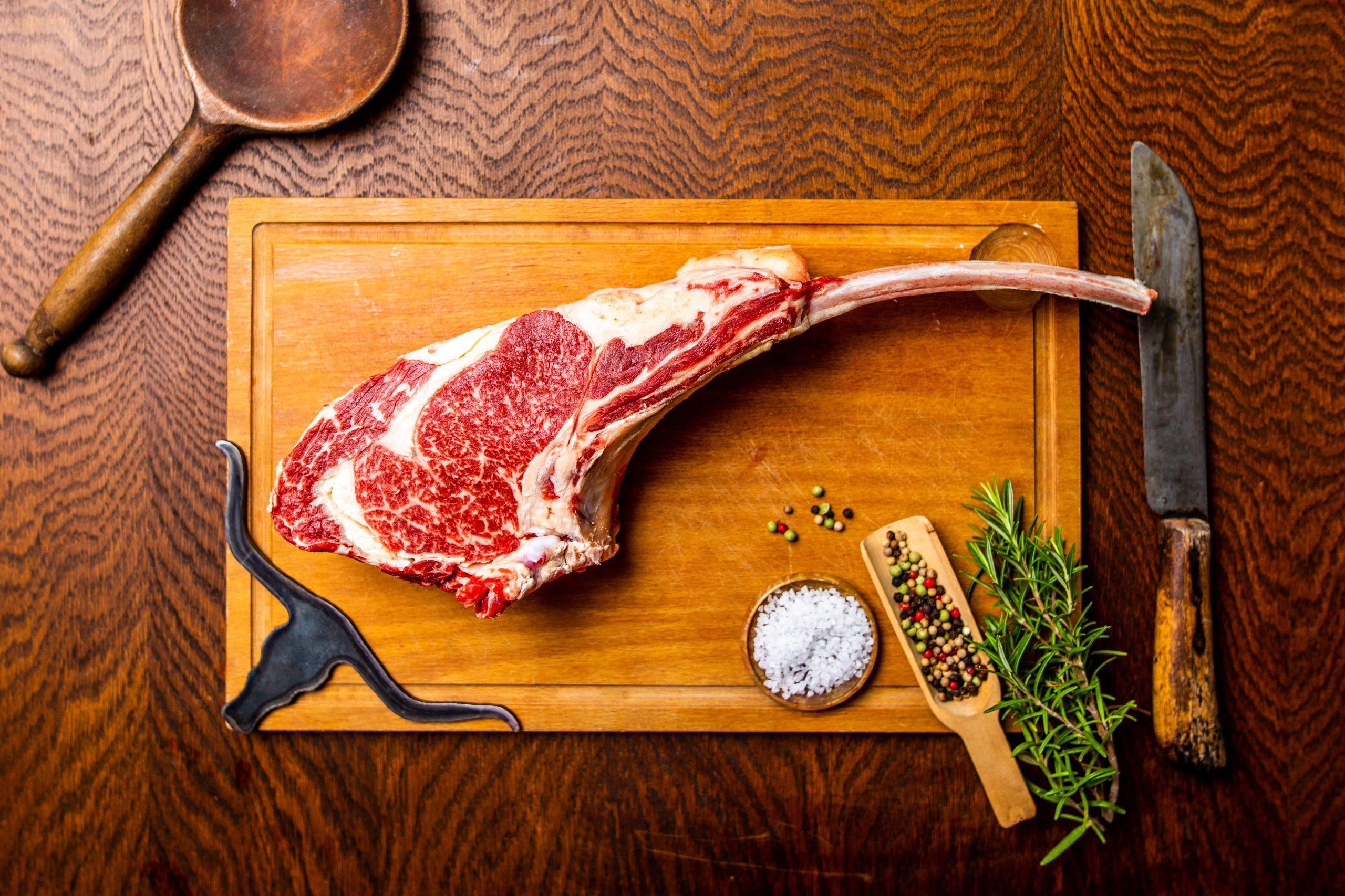 Texas Longhorn Tomahawk steak